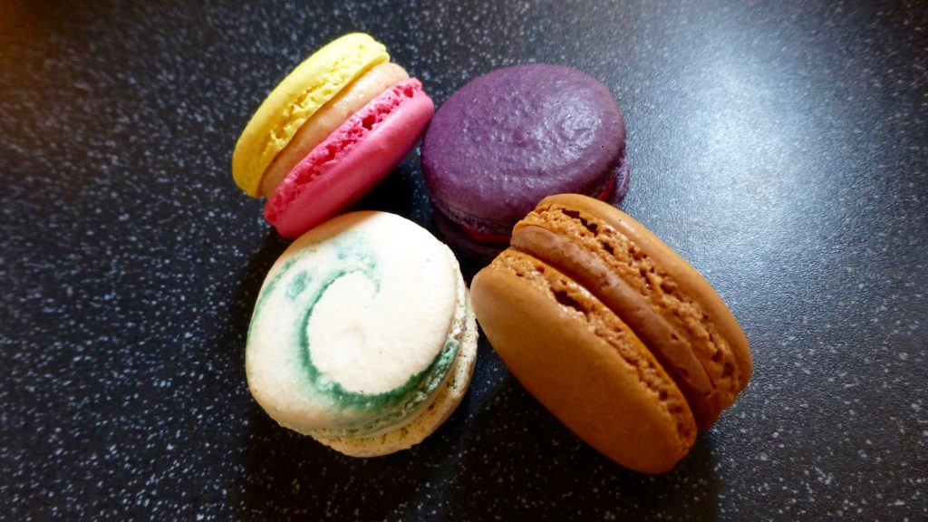 Pinch of This French Macarons