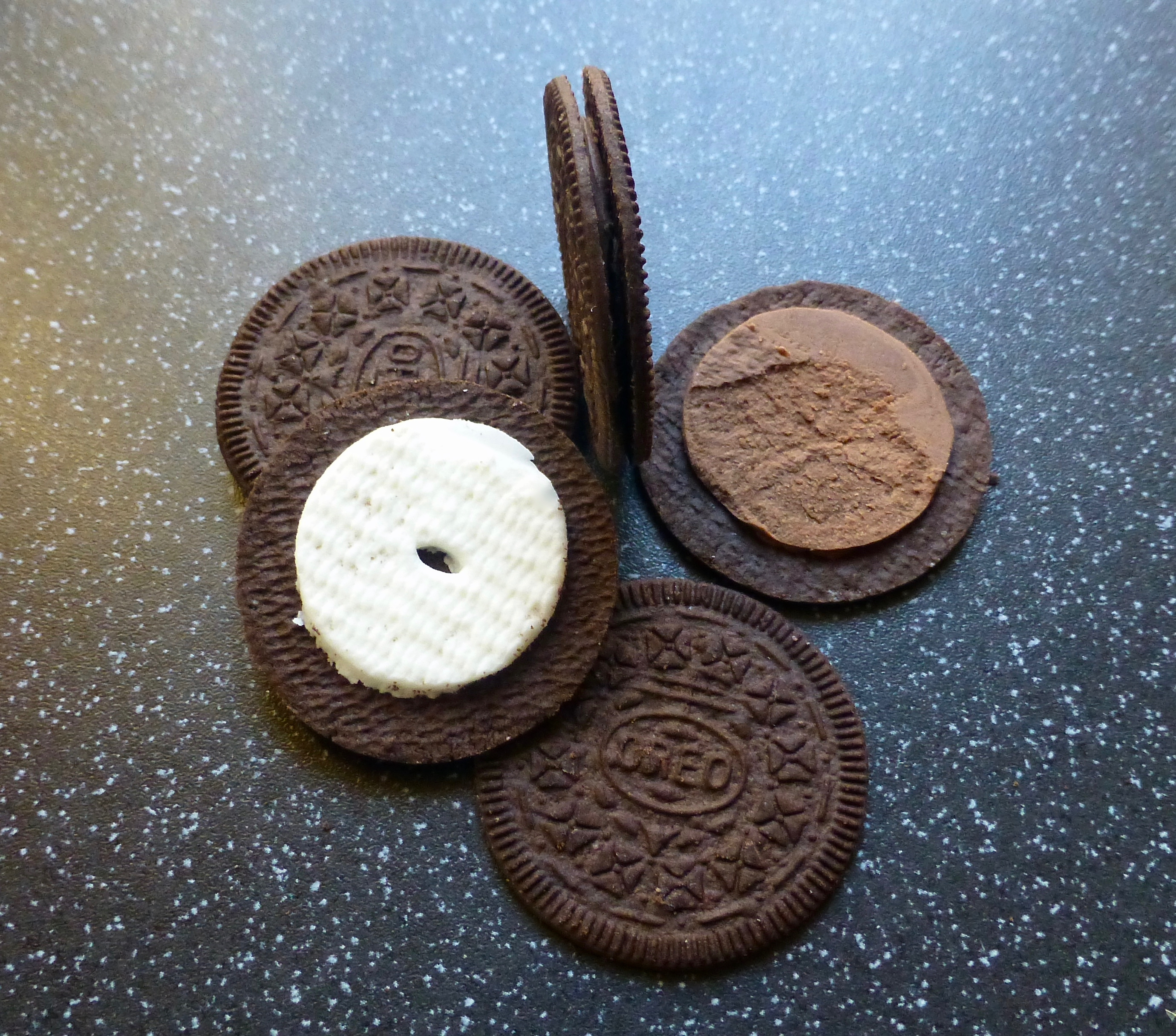 Oreo Thins Original and Chocolate