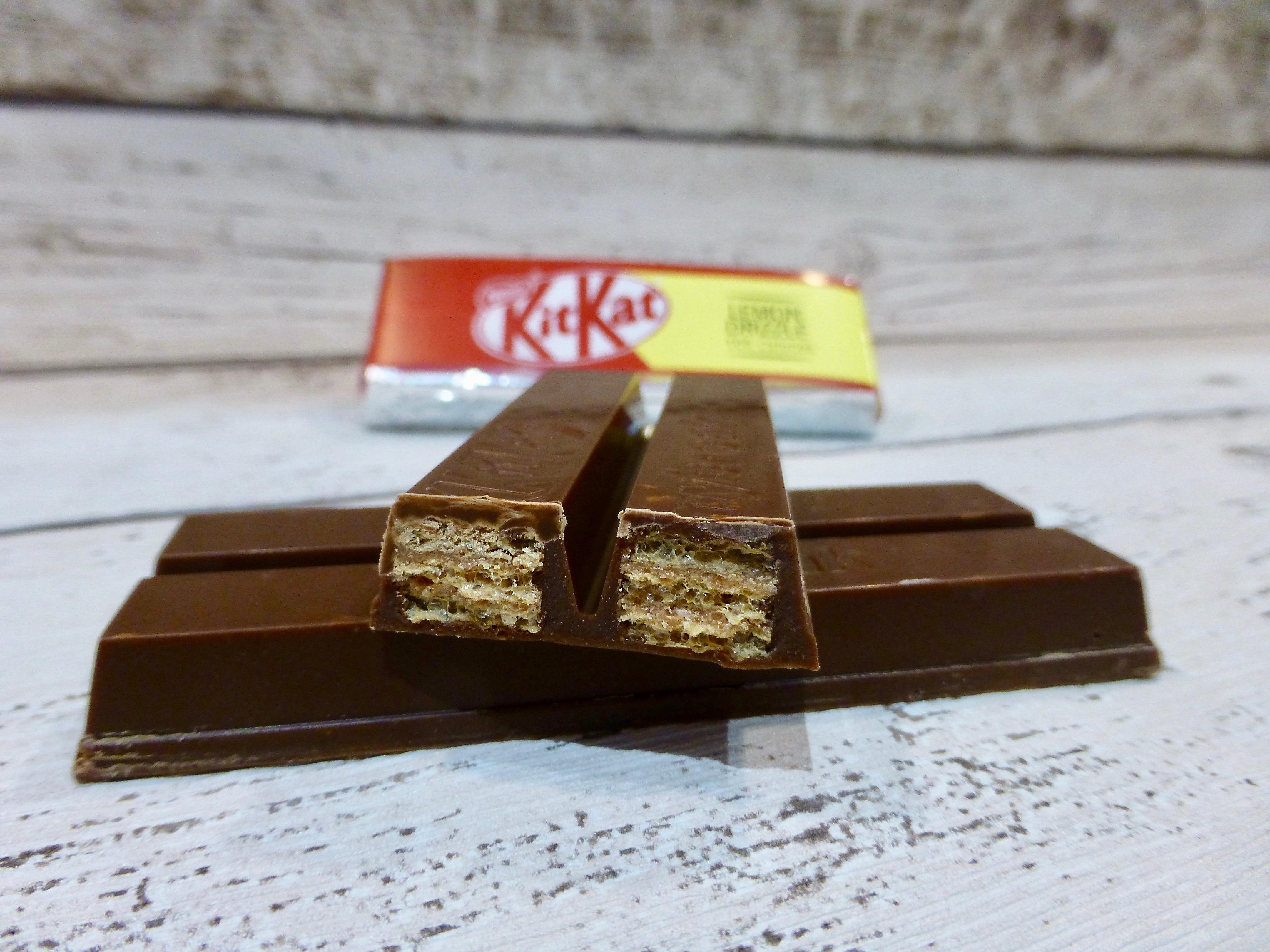 KitKat Lemon Drizzle Fingers