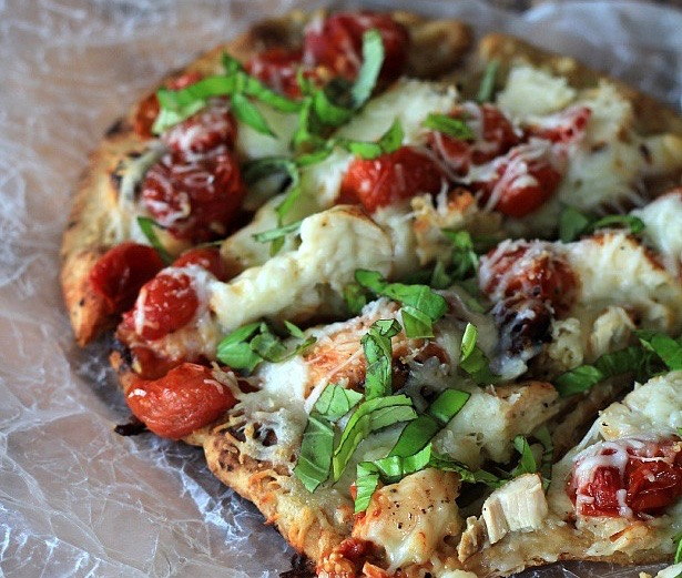 Grilled-Chicken-Margherita-Pizza_2 (1)