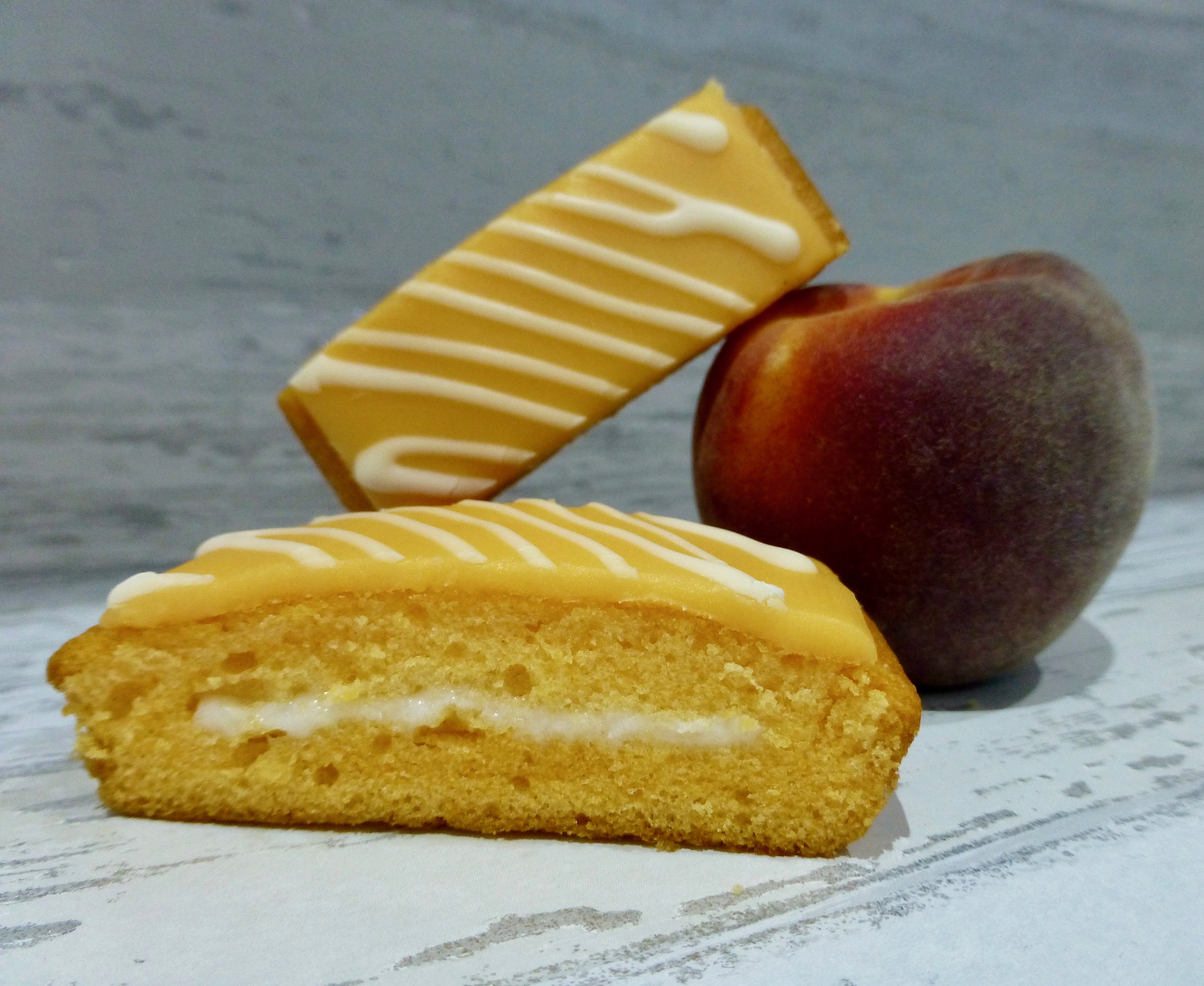 Mr Kipling James' Peaches & Cream Slices