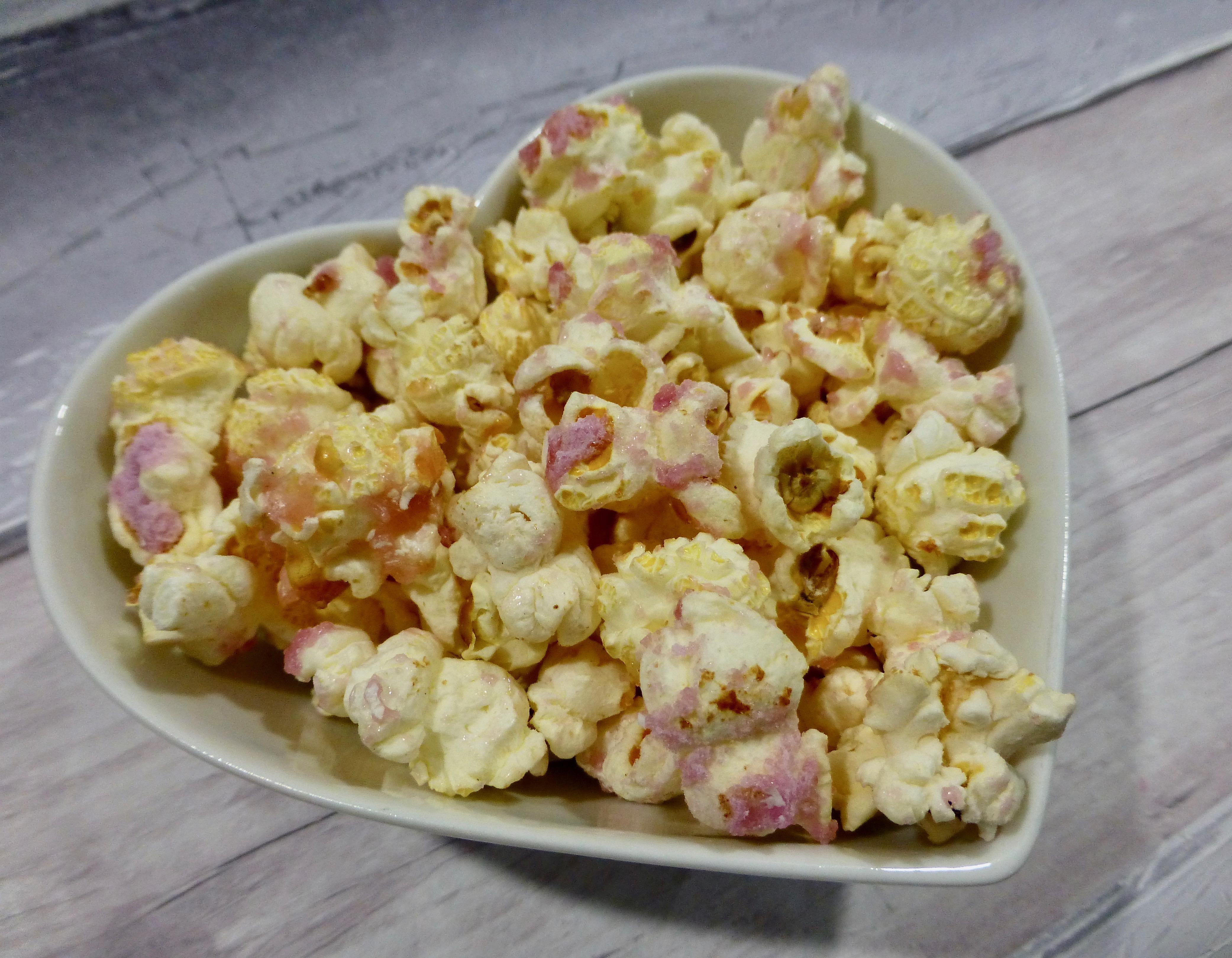 Retro Corn Cherry Pips Popcorn