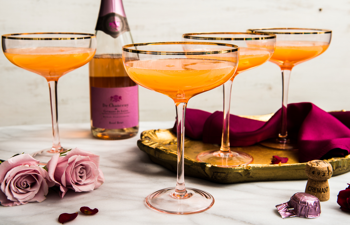 Must Have Drinks This Galentine's Day Peach Nectar Cocktail
