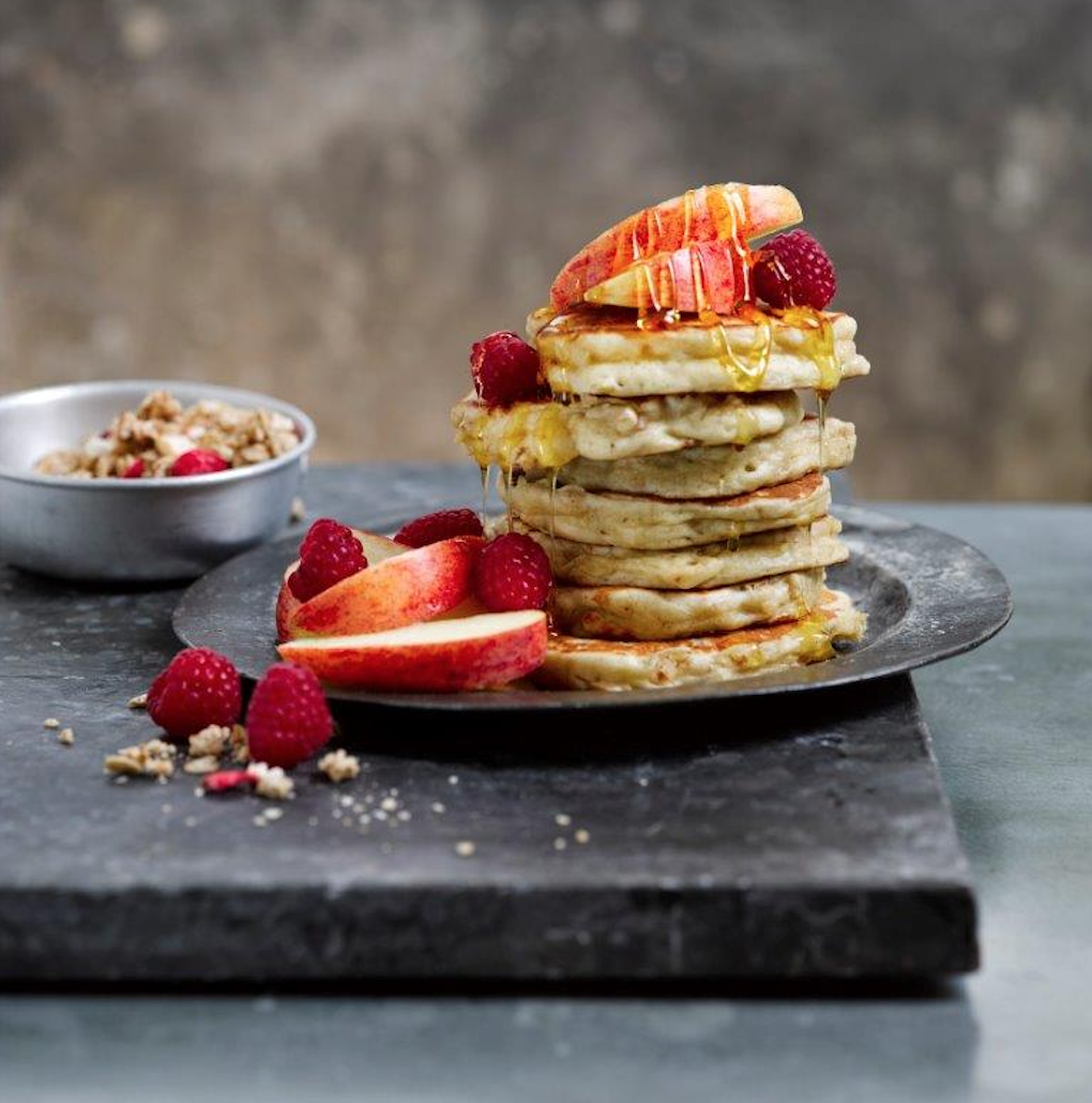 Pancake Day with White's Oats - CRUNCHY APPLE AND CINNAMON BUTTERMILK PANCAKES