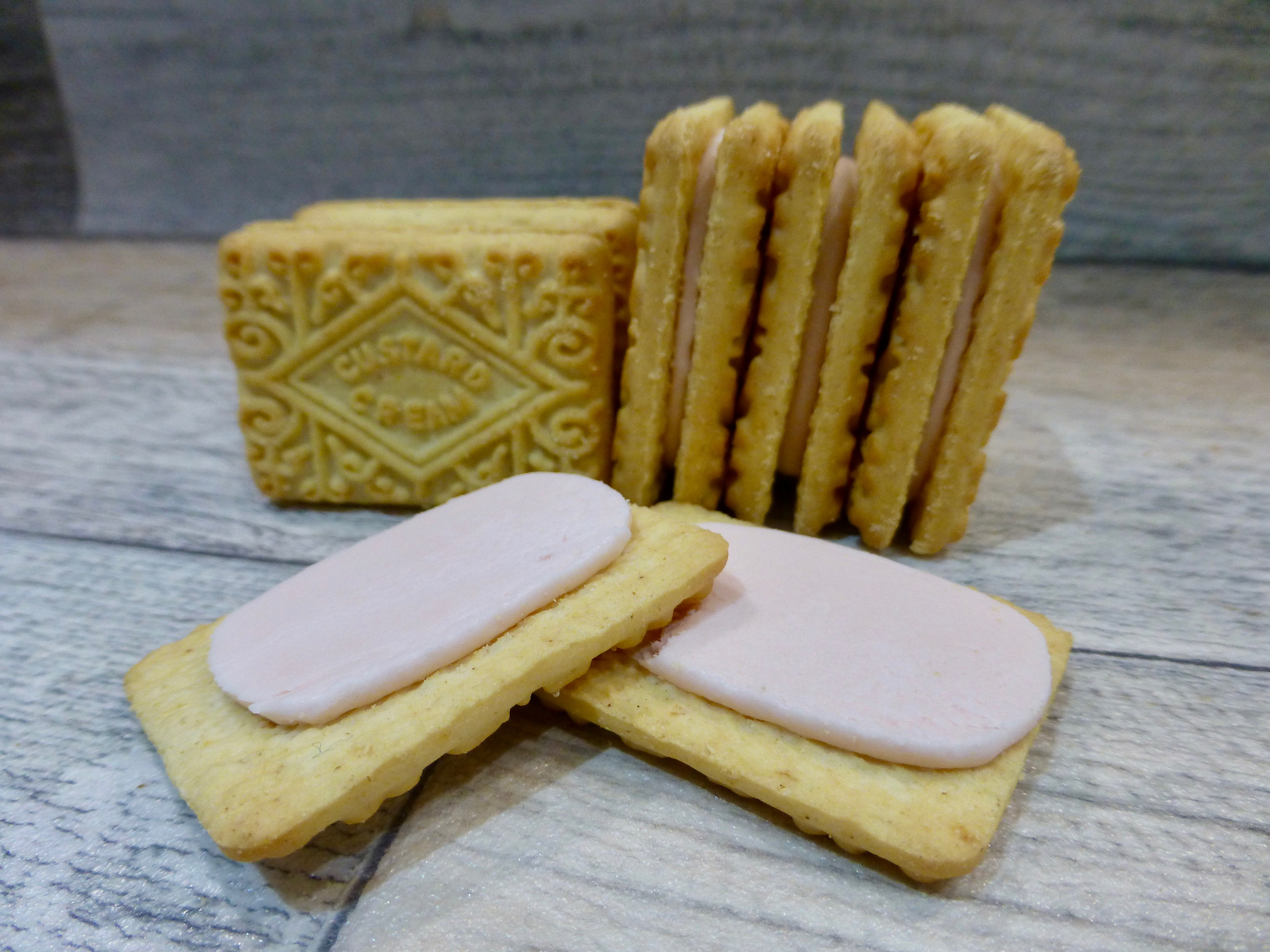 Tesco Rhubard and Custard Creams