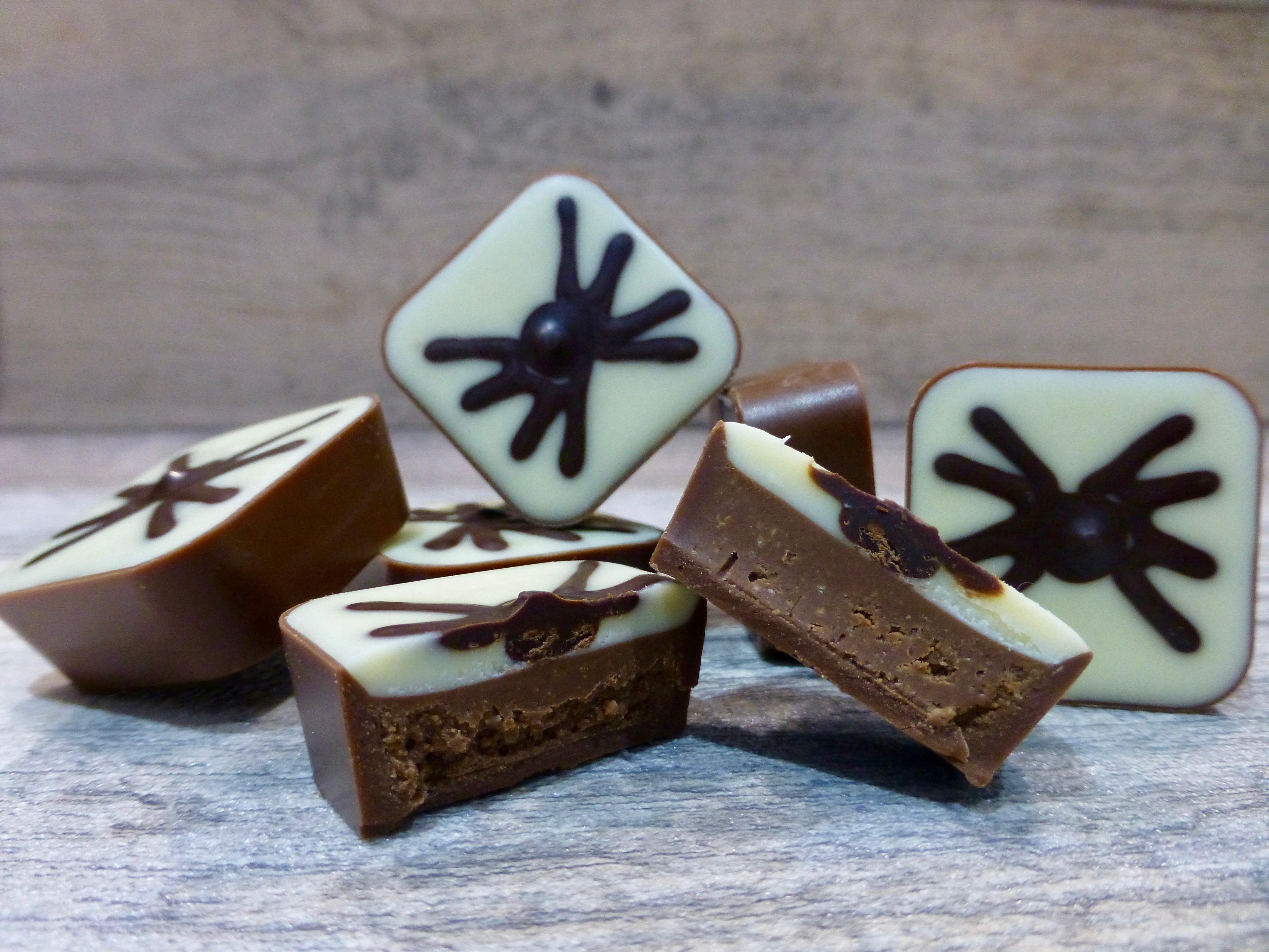Hotel Chocolat Spooky Spider Peanut Praline Chocolate