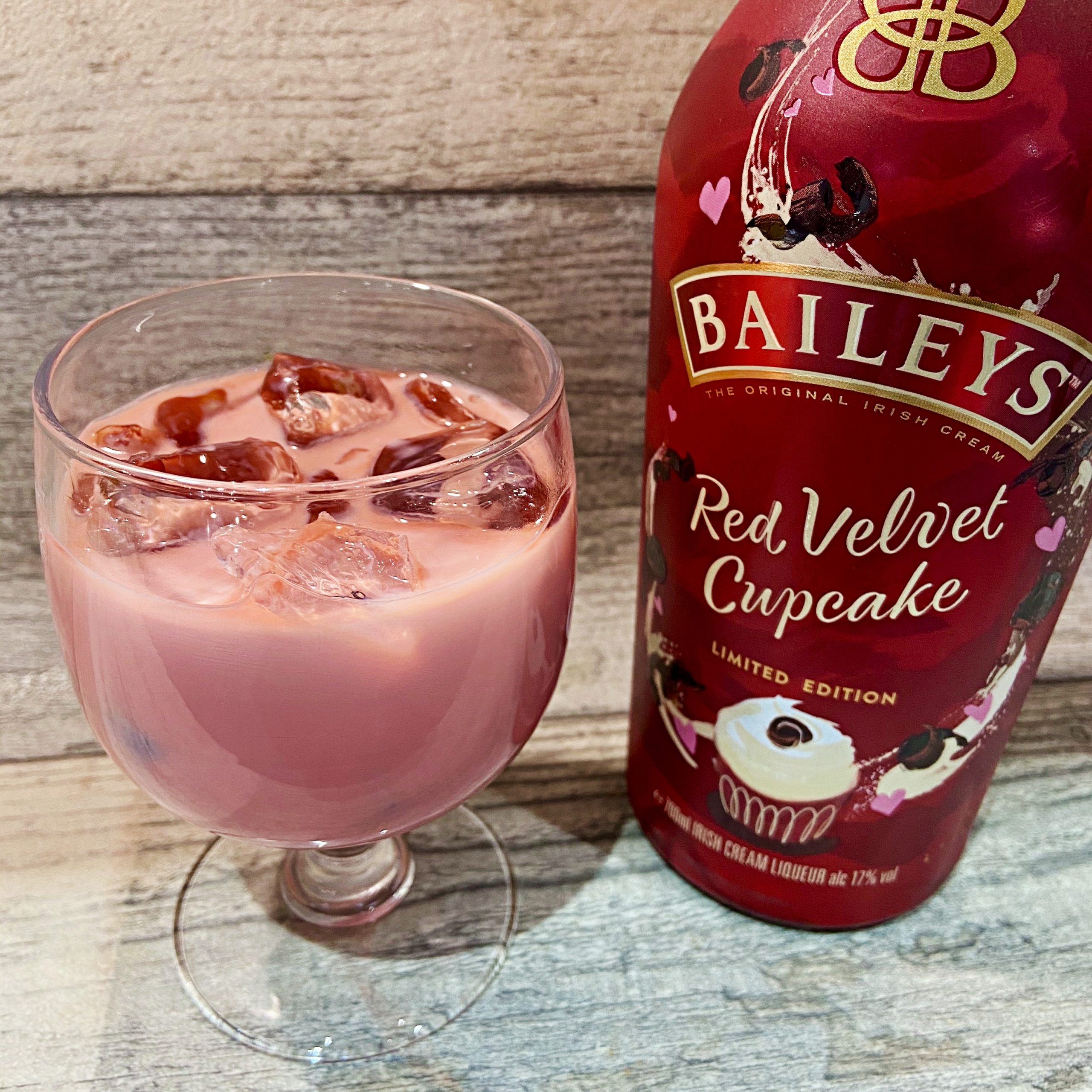 Red Velvet Cupcake Baileys Review