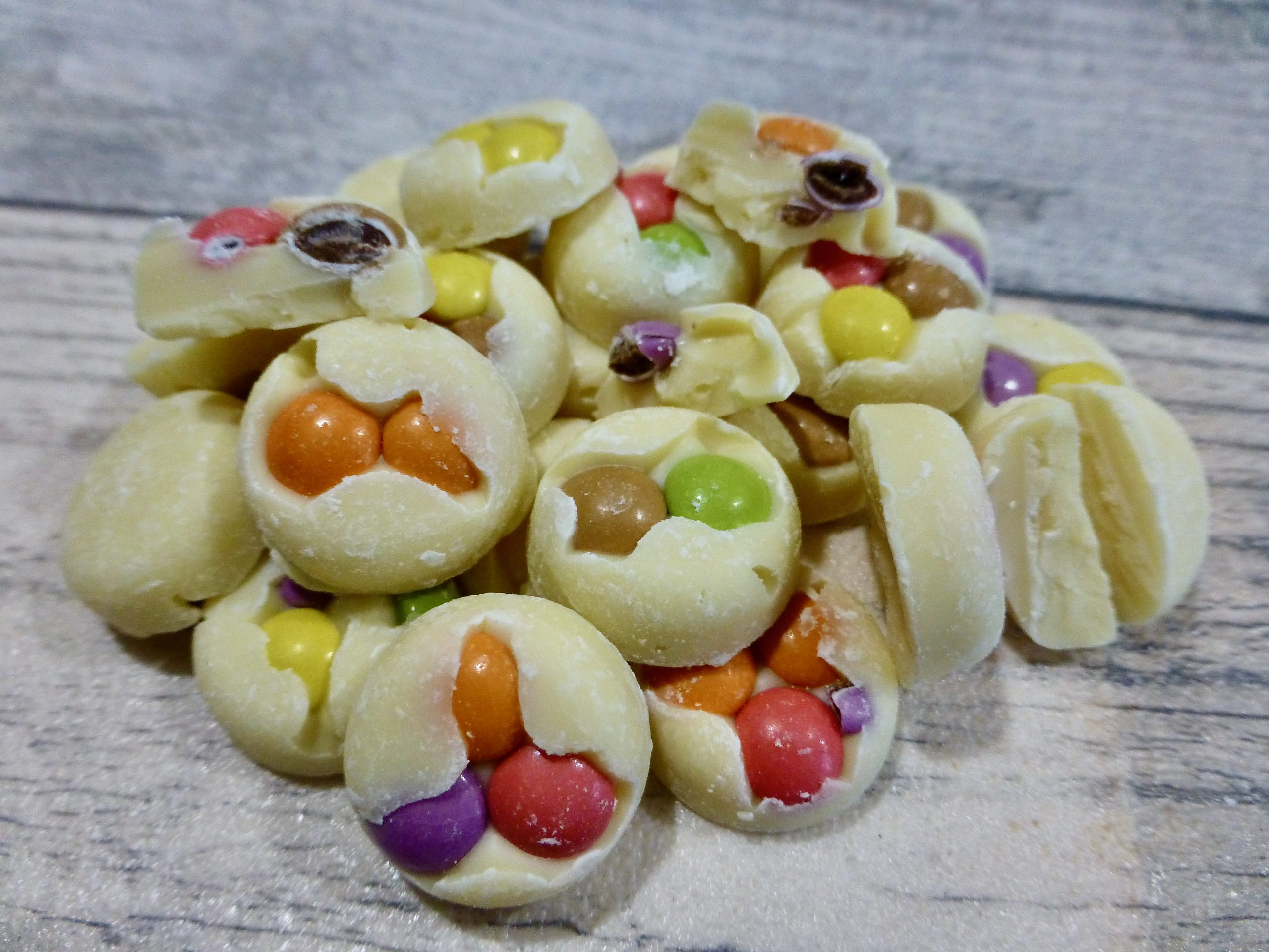 New White Chocolate Smarties Buttons